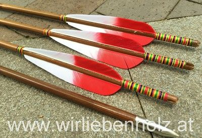 arrows made from bamboo, cedar wood arrows, carbon arrows, bamboo arrows, fancy fletching, colorful, self nock